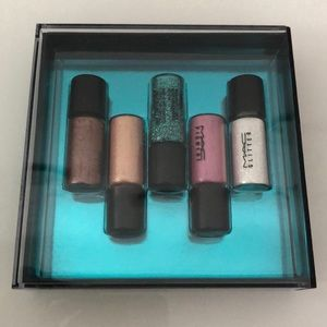 MAC pigment gift set - new in box